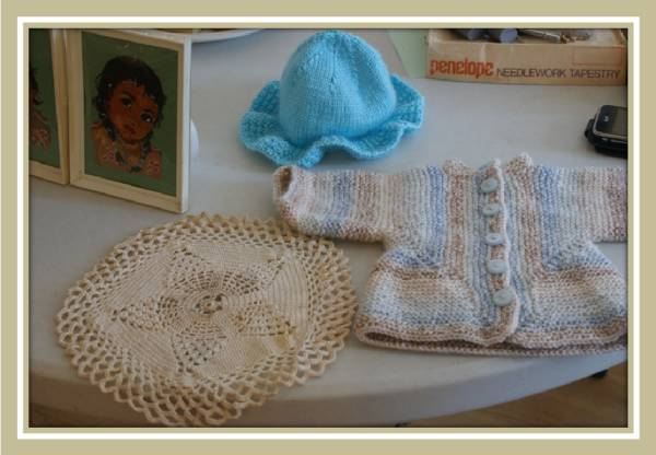 [Knitted doll's clothes]